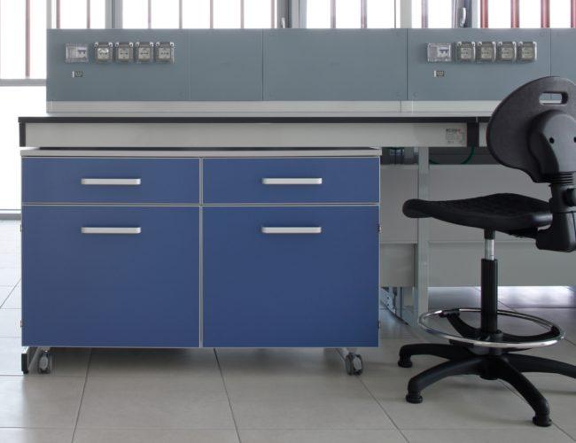 postazione-arredo-laboratorio-blu-AHSI